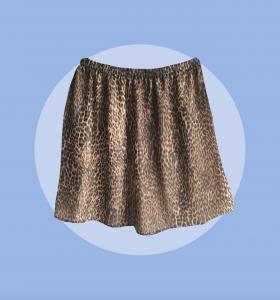 ferdig sydd skjørt i fantastisk leopard mønster.