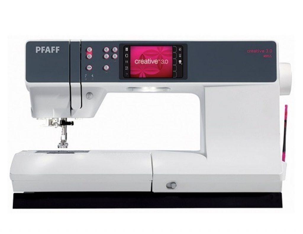 Pfaff Creative 3.0, en nydelig symaskin som syr bokstaver.